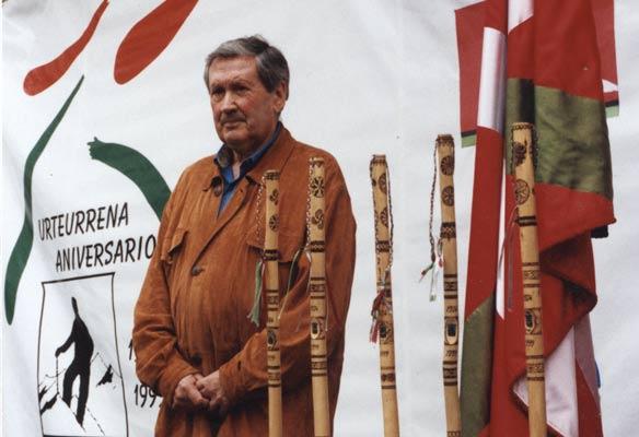Paco Iriondo Elgetan, 1999an, Euskal Mendizaleen Federazioaren 75. urteurrenaren ospakizunean (A. Iturriza)