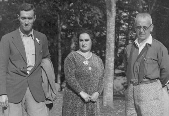 Andrés Espinosa eta Antxon Bandrés, Raimunda Royokin, Ehun Mendien Lehiaketa amaitu zuen lehenengo emakumea, 1930an Arraten.
