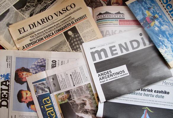 Foto de reportajes en prensa relacionados con el montañismo vasco